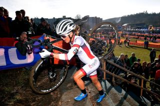 Under-23 World Cup leader Anna Kay (Experza Pro CX) takes the stairs at the 2019 Tabor World Cup in the Czech Republic