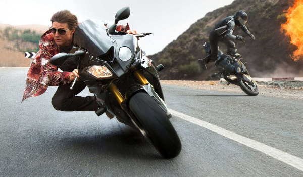 Mission: Impossible Rogue Nation Tom Cruise escaping on a motorcycle