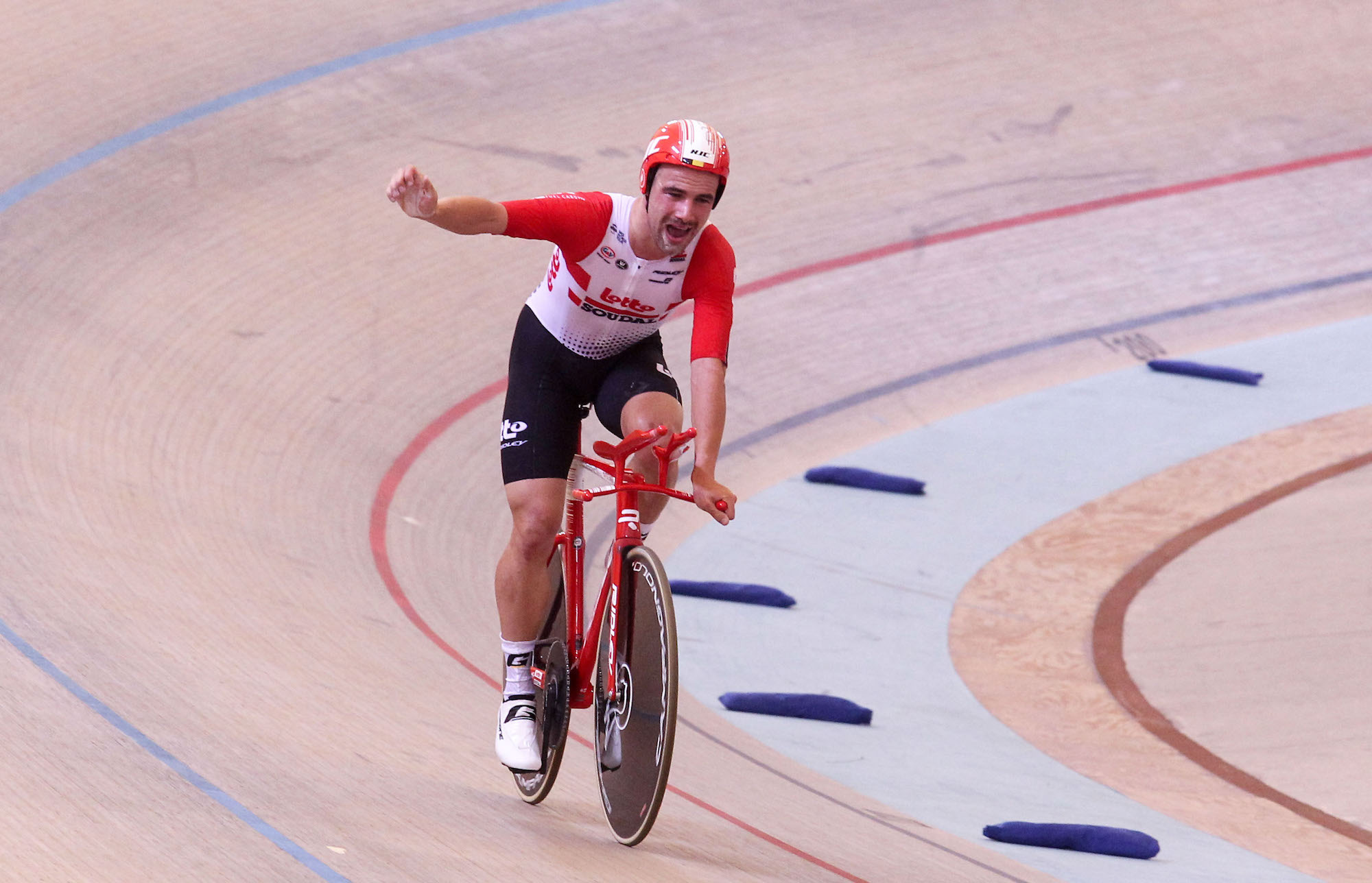 Tech of the week: Hour Record breaking kit, Dan Bigham's TT bike and more