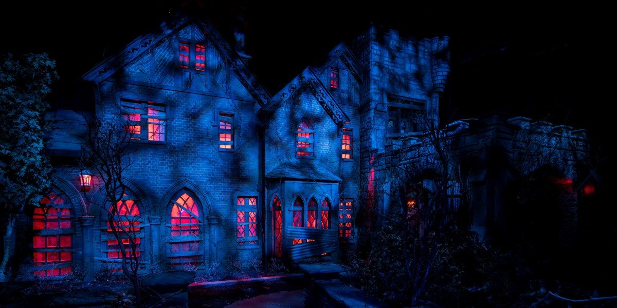 the haunting of hill house haunted maze at universal studios orlando halloween horror nights