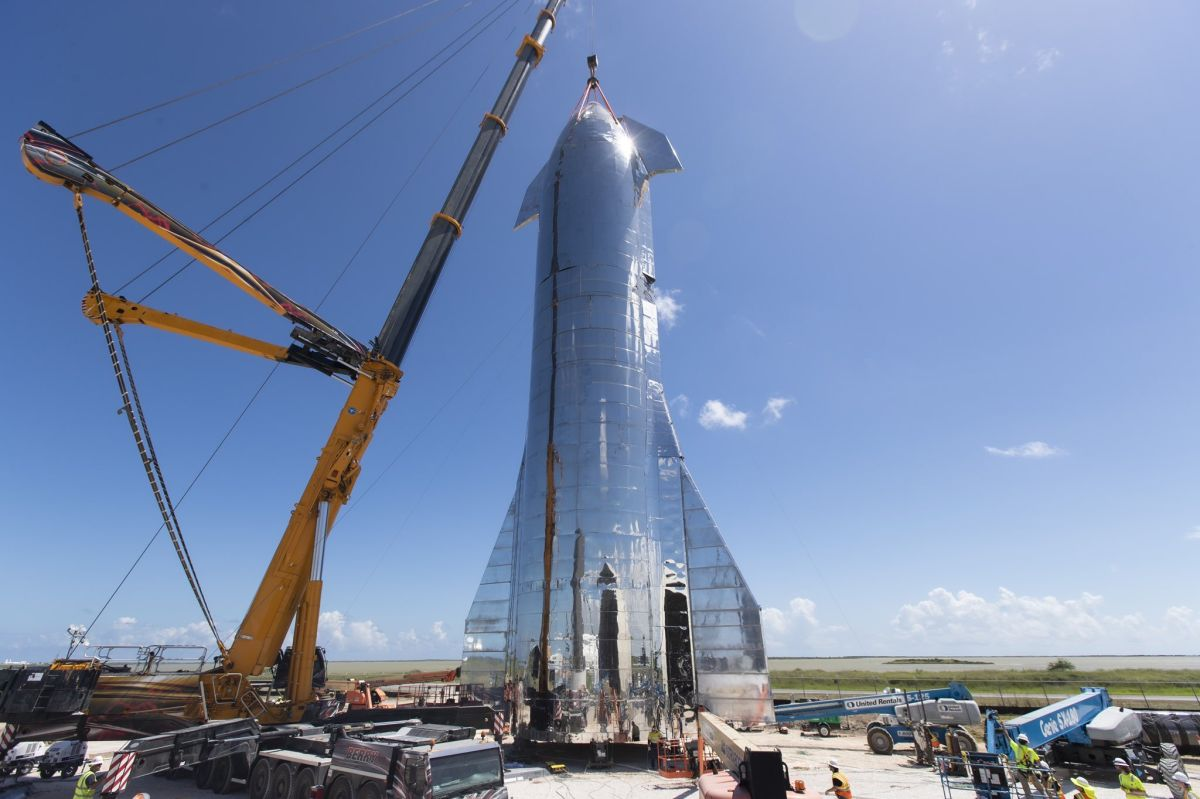 SpaceX Finishes Assembling New Starship Prototype (Photo)