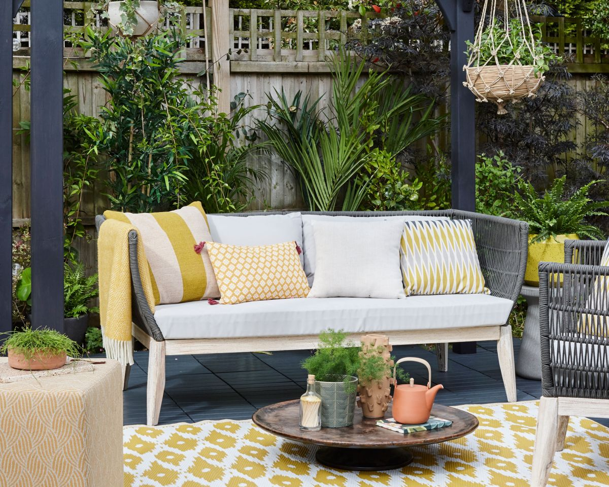 Cleaning outdoor furniture cushions couldn't be easier with these expert tips