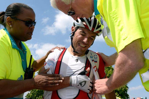 Joaquim Rodriguez crashes during Amstel Gold Race 2014