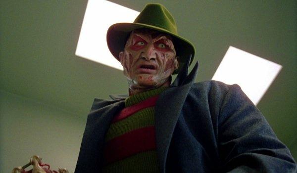 Wes Craven's New Nightmare Robert Englund Freddy threatens a patient