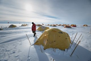 Hidden Beneath a Half Mile of Ice, Antarctic Lake Teems with Life | Live Science