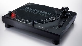 Belt drive and direct drive turntables: everything you need to know