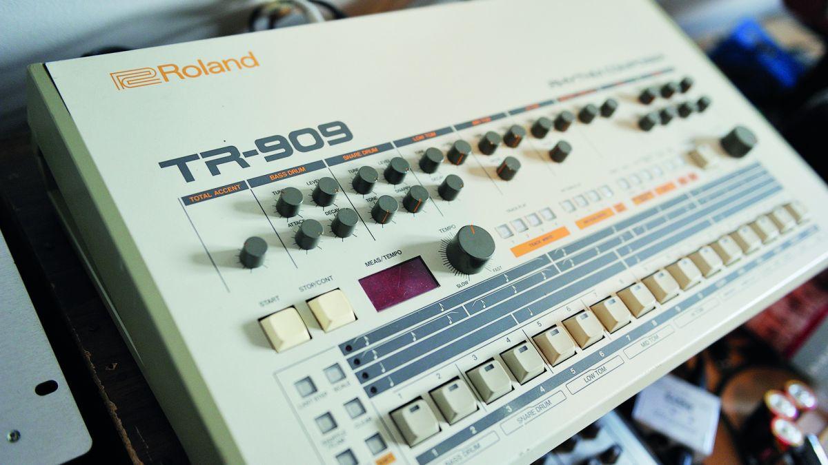 Underground Electronic cover image