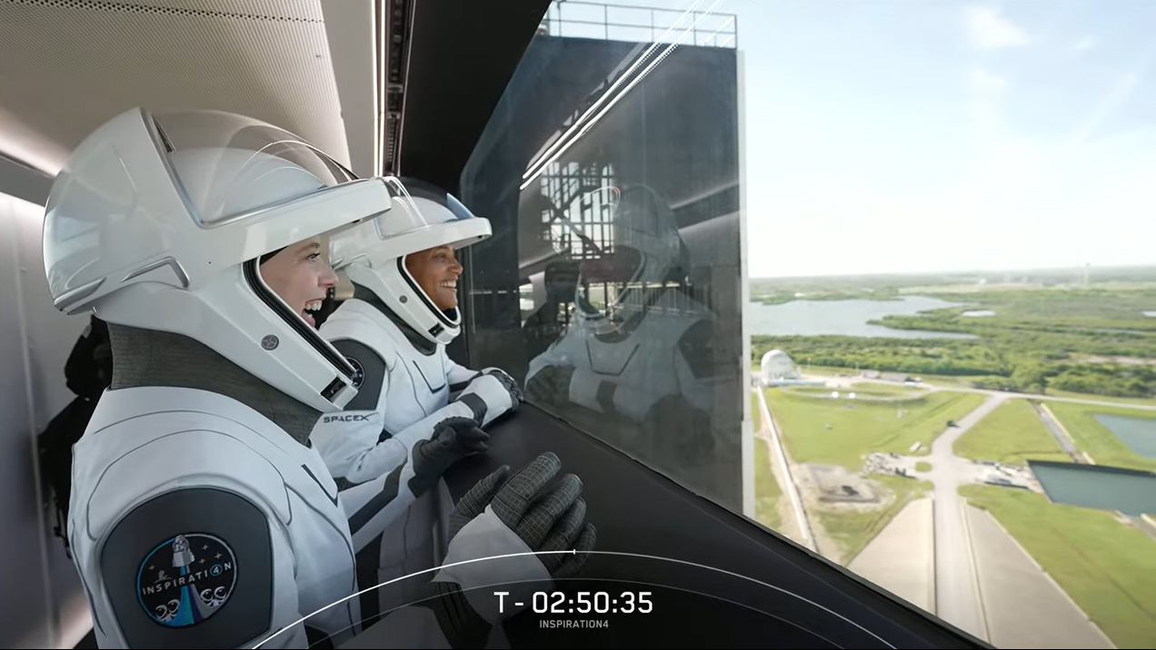 SpaceX Inspiration4 launch day photos.