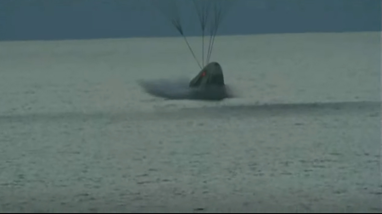 A view of SpaceX's Crew Dragon Resilience during splashdown to return the Inspiration4 astronauts to Earth.