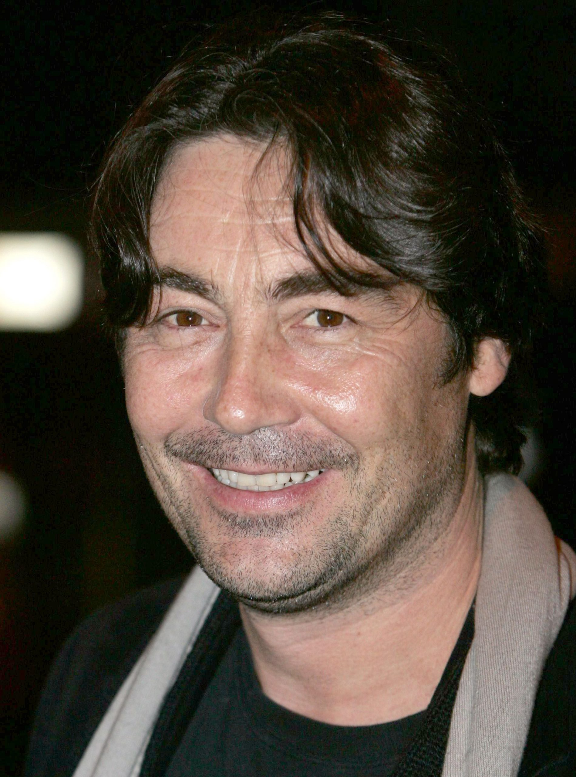 Nathaniel Parker-celebrity pictures-celebrity photos-loves and hates pictures-woman and home