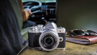 best camera under $1000/£1000