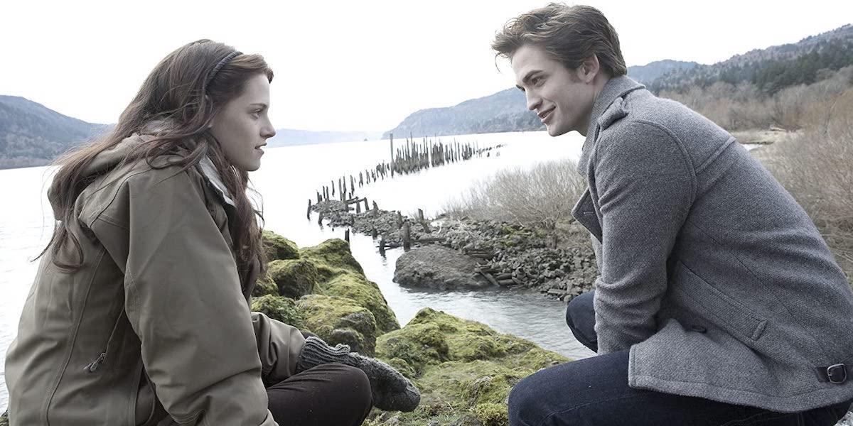 Kristen Stewart and Robert Pattison in Twilight