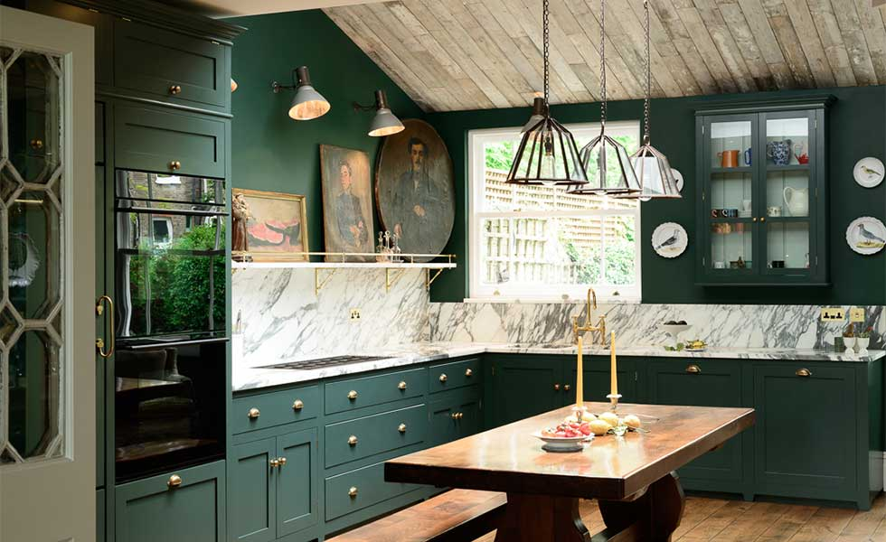 Dramatic Green Kitchen Makeover | Real Homes