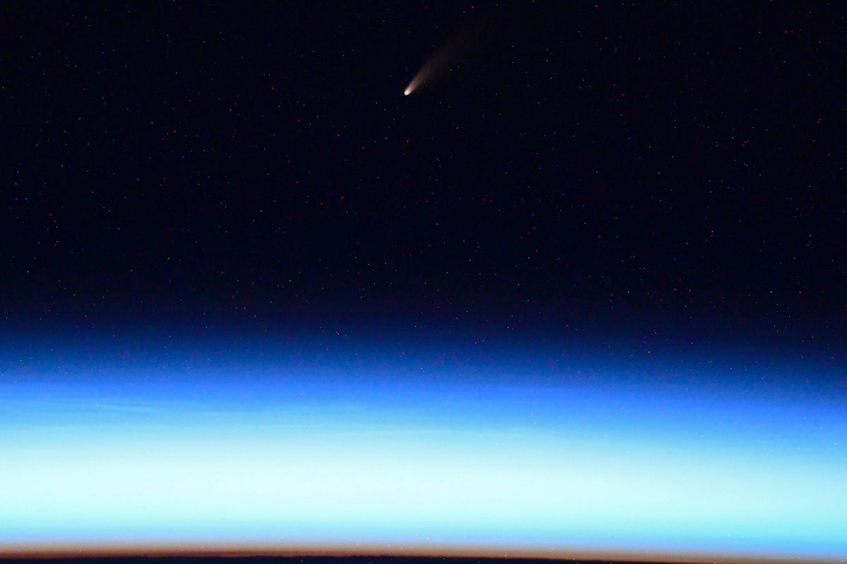 Comet NEOWISE is 'an awesome sight' from space, astronaut says (video) - Space.com