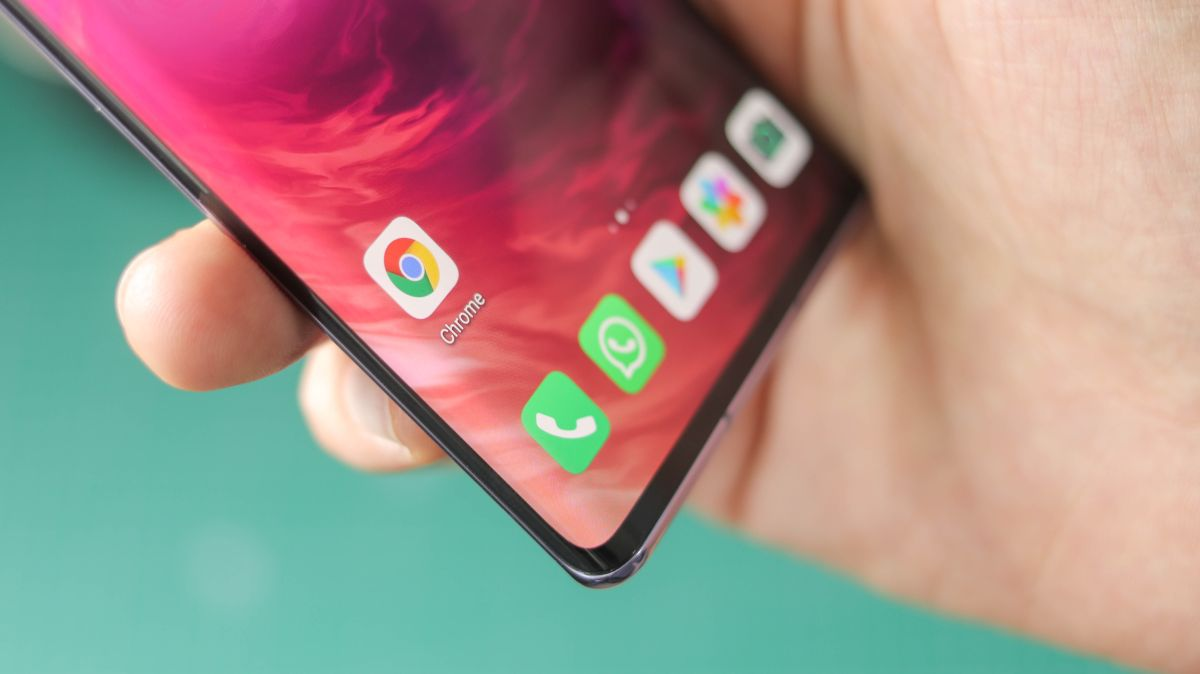 Google officially warns Huawei device owners not to sideload its apps