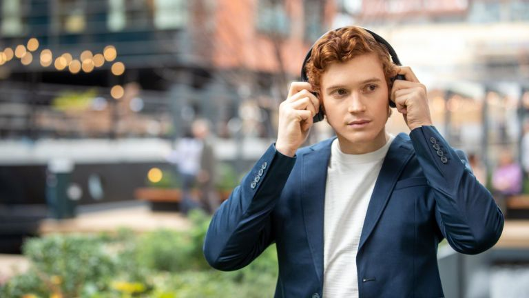 noise cancelling headphones for students
