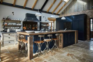 a sustainable kitchen using reclaimed materials