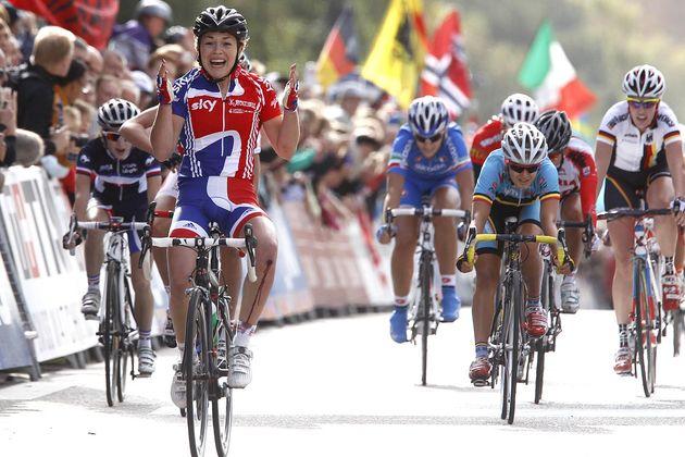 Lucy Garner wins junior women's road race, Road World Championships 2011