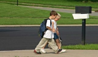 walk-to-school-100816-02