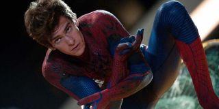Andrew Garfield in spider-Man suit in The Amazing Spider-Man