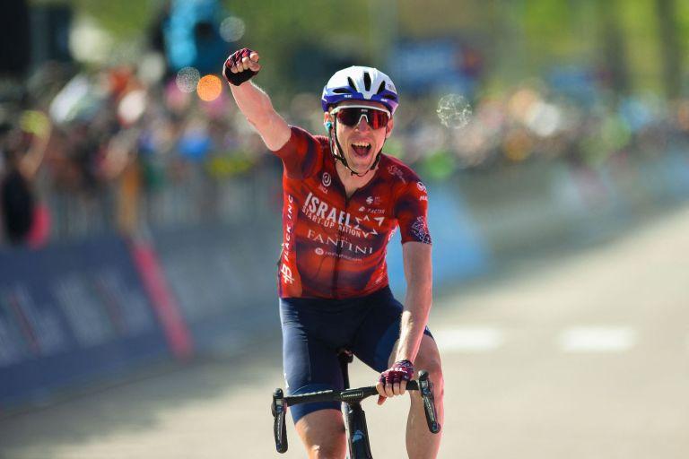 Dan Martin wins stage 17 of the Giro d'Italia 2021