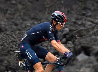 Geraint Thomas fights to finish on Mount Etna