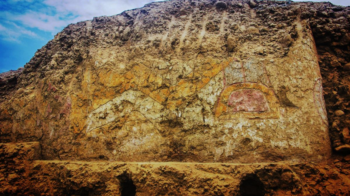 Knife-wielding spider god mural unearthed in Peru