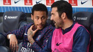 Neymar bench