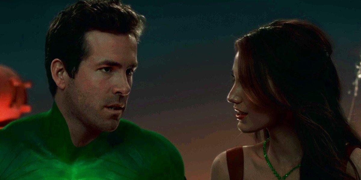 Ryan Reynolds as Hal Jordan/Green Lantern and Blake Lively as Carol Ferris in Green Lantern (2011)