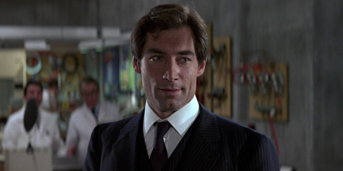 The Living Daylights Bond takes his tour of Q Branch