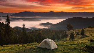how to choose a backpacking tent: wild camp at sunset