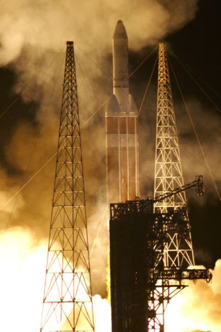 Largest U.S. Unmanned Rocket Launches Surveillance Satellite