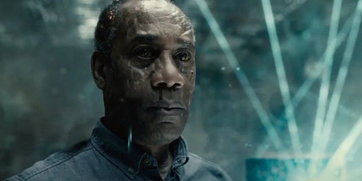 Joe Morton as Silas Stone dying in Justice League