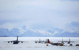 antarctica-runway-111011