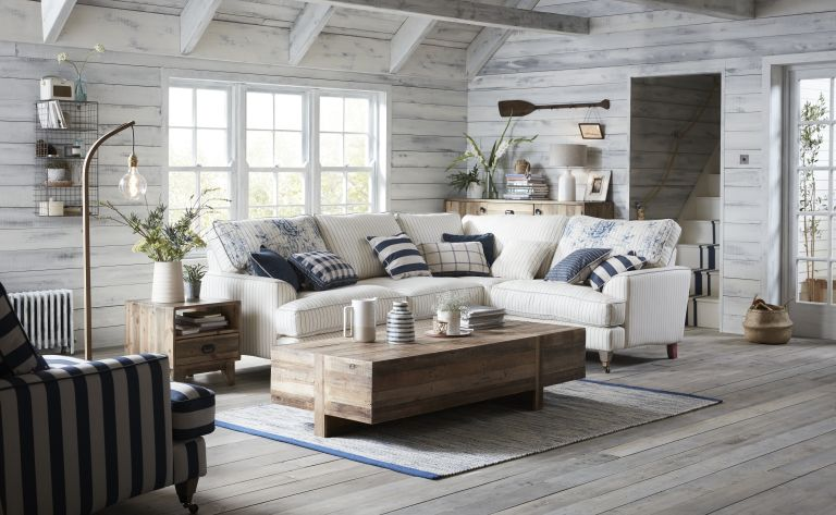 Beach house interiors: 17 ways to get the coastal look ...