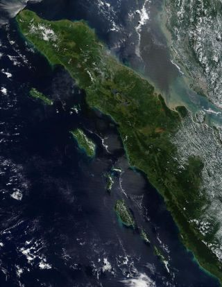 volcanoes in sumatra, what natural disasters hit sumatra, volcanic eruptions, volcano news, ancient volcanic eruptions, natural disasters