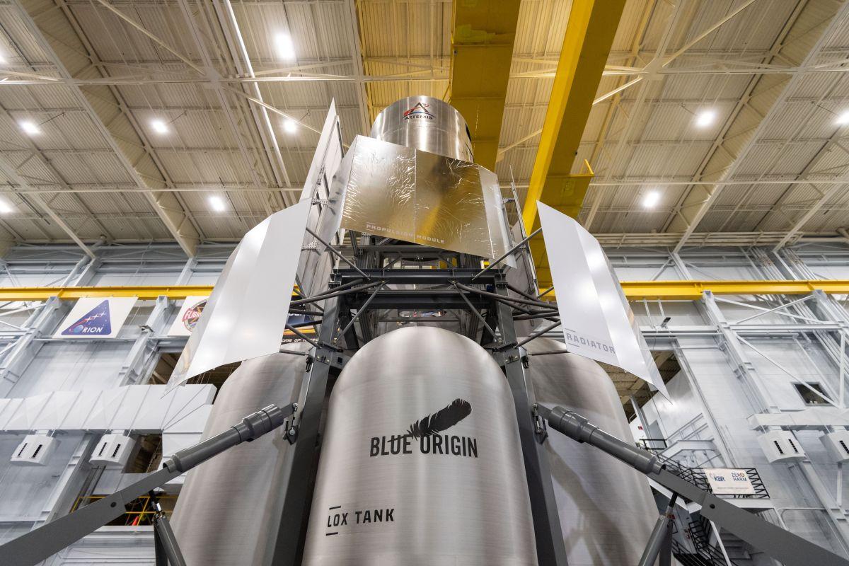 Blue Origin-led 'National Team' delivers mock-up moon lander to NASA for tests