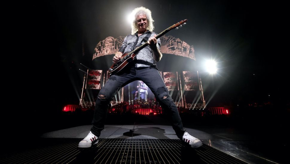 Astrophysicist Brian May (of Queen!) teaches you how to play the Bohemian Rhapsody solo while in self-isolation