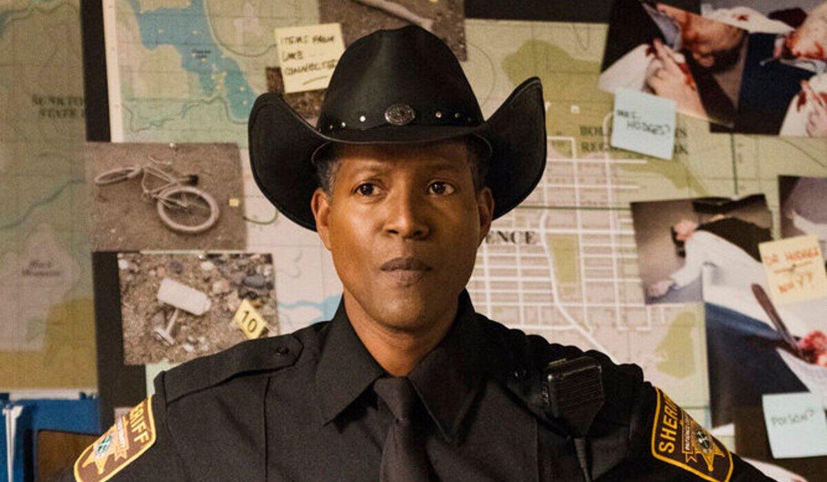 resident alien corey reynolds sheriff mike thompson syfy