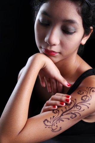 black-henna-tattoo