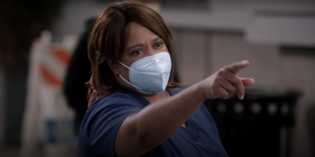 Grey's Anatomy Miranda Bailey pointing