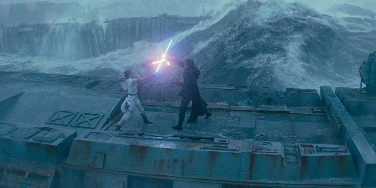 Rey and Kylo Ren lightsaber battle in Star Wars: Rise of Skywalker