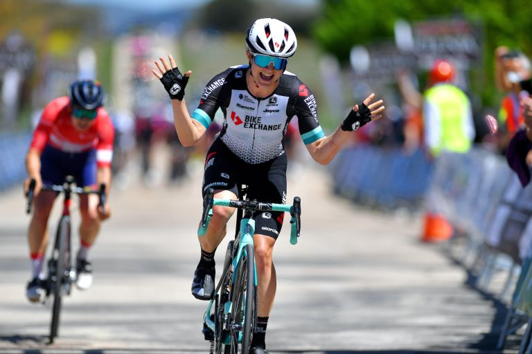 Grace Brown wins stage of the 2021 Vuelta a Burgos