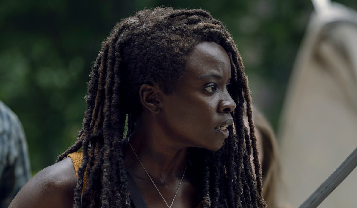 michonne with sword the walking dead