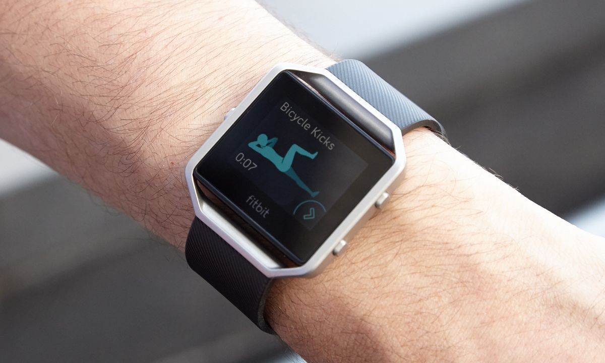 Fitbit Blaze Review: Big-Screen Fitness Tracker   Tom's Guide