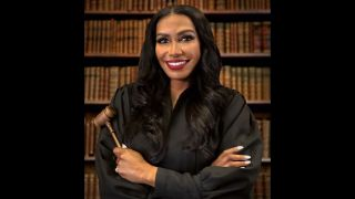 'Relative Justice' stars Judge Rhonda Wills.