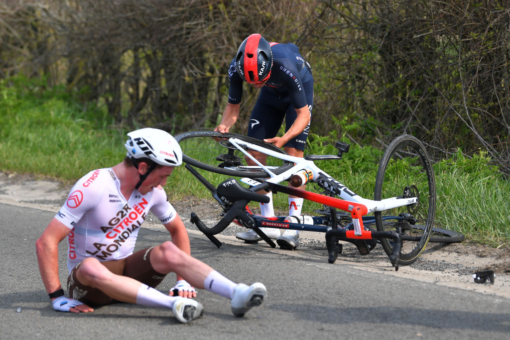 MUR DE HUY BELGIUM APRIL 21 Stan Dewulf of Belgium and AG2R Citren Team are involved in an accident during the 85th La Fleche Wallonne 2021 Men Elite a 1936km race from Charleroi to Mur de Huy 204m Crash Injury FlecheWallonne on April 21 2021 in Mur de Huy Belgium Photo by Luc ClaessenGetty Images