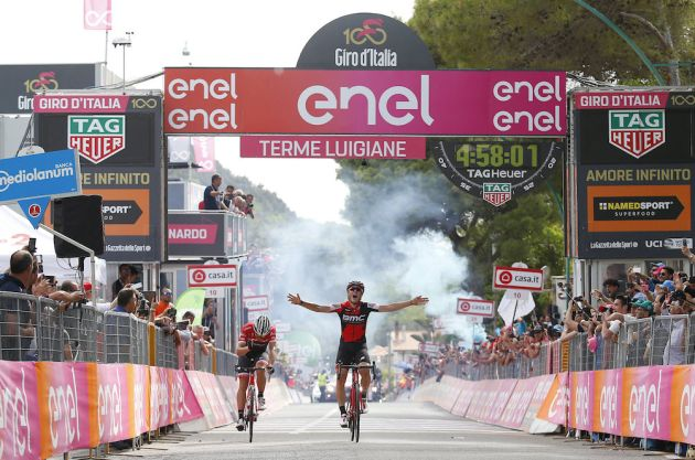 Australia's Ewan wins 7th stage of Giro; Jungels keeps lead