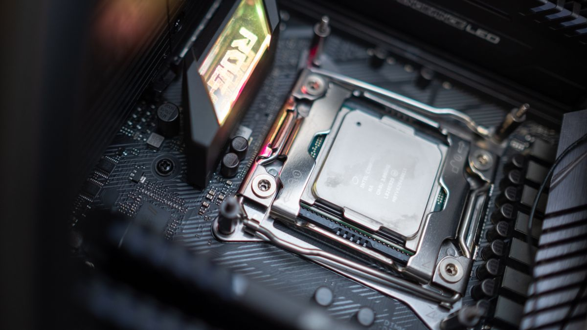 Intel Core i9-11900K CPU spotted overclocked to a massive 7GHz - Techradar