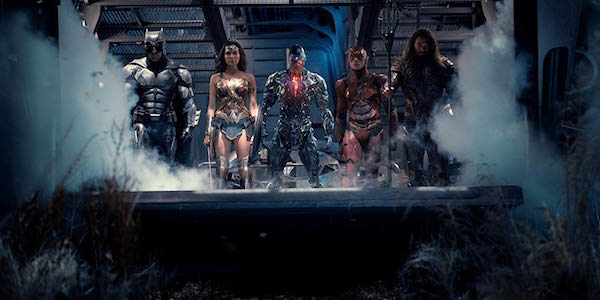 Batman, Wonder Woman, Cyborg, Flash and Aquaman in Justice League